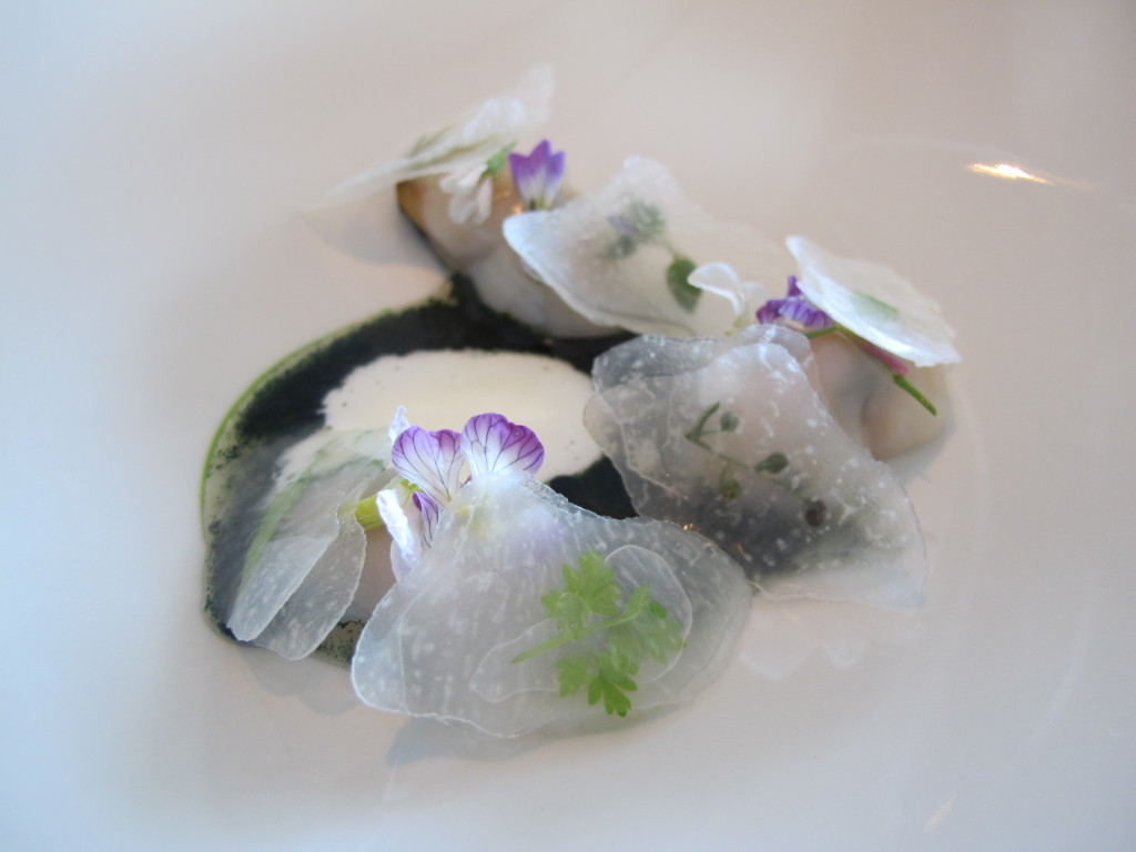 Lightly smoked mussels, Radish Flowers and Algies